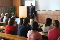 Uherské Hradiště v úterý 9. září 2014 navštívil premiér České republiky Bohuslav Sobotka. Svůj program začal v prostorách Střední školy průmyslové, hotelové a zdravotnické, kde mimo jiné diskutoval i s učiteli.