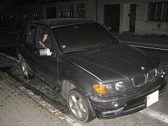 Oheň zničil BMW za 600 tisíc.