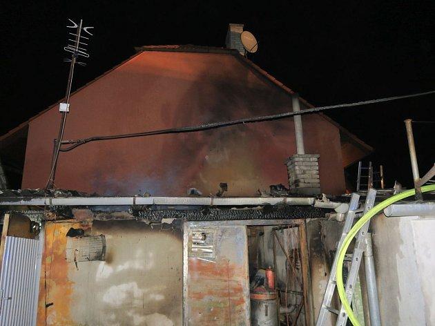 Ohrň způsobil škodu asi 100 tisíc korun