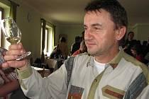 Hostějovský košt vín uvedly holčičky z Buchlovjánku.