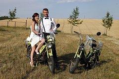 Soutěžní svatební pár číslo 46 - Veronika a Roman Maňáskovi, Tupesy