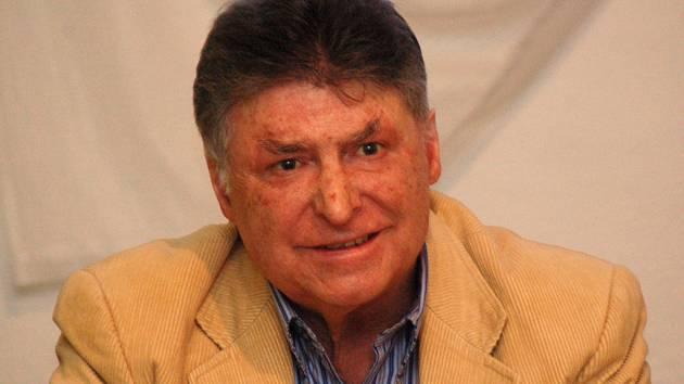 O své nehodě vyprávěl Buchanek už v pondělí v buchlovickém domově pro seniory.