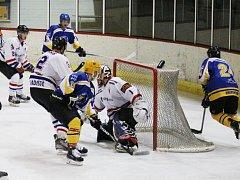 Hokejisté Uherského Hradiště podlehli v derby Uh. Brodu 3:4.