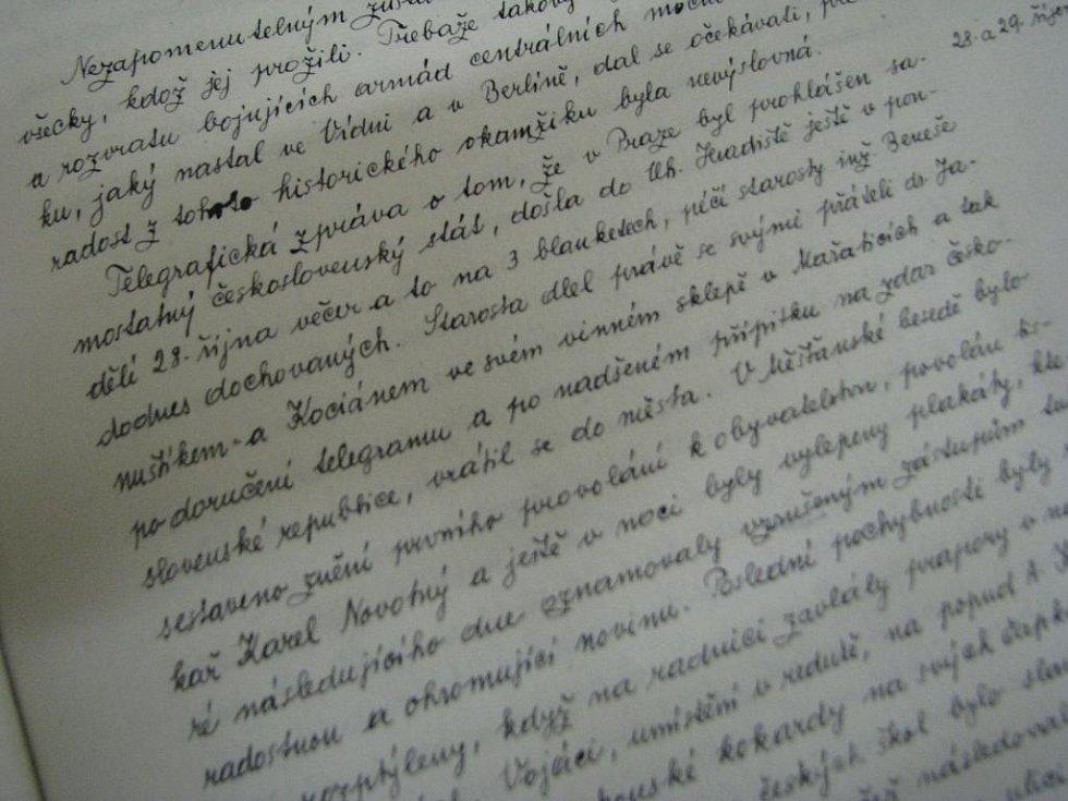 Zápis v kronice popisuje dění v Hradišti z 28. října 1918.