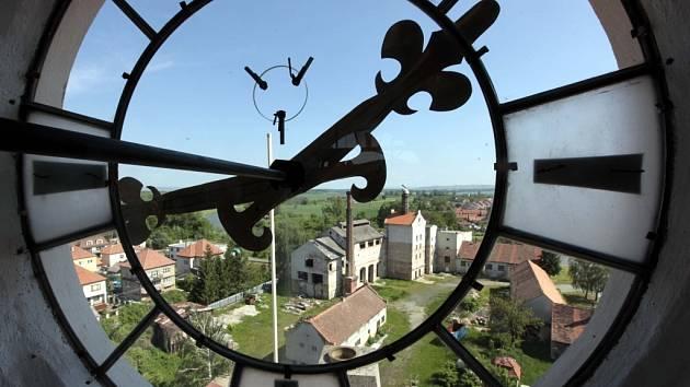 Zámecká věž v Uherském Ostrohu.