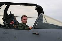 Jaroslav Tomaňa je jediným elitním pilotem gripenu v České republice, který se narodil v Uherském Hradišti.