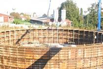 Stavba biolektrárny už je v plném proudu.