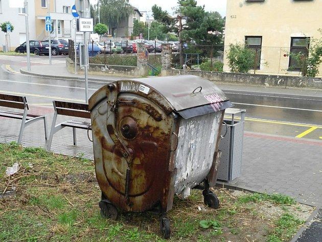 Okrasa nádraží ČD ve Starém Městě.