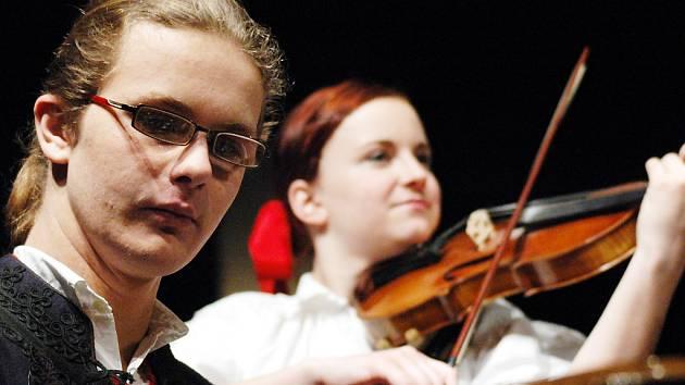 Na scéně Slováckého divadla se představili studenti uherskohradišťského gymnázia.