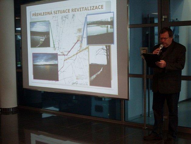 Díky projektu Revitalizace Nivničky – obnova mlýnského náhonu, je tak příroda mezi řekou Olšavou, potokem Nivnička a Bílými Karpaty bohatší o šestihektarovou soustavu vodních nádrží, 550 nových stromů a více než čtyři kilometry dlouhý mlýnský náhon.