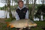 Soutěžní číslo 142 - Martin Holubec, kapr, 94 cm, 13 kg.