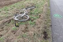 Svým životem doplatil 58letý cyklista v pondělí 26. prosince krátce po poledni na srážku se Škodou Octavií, k níž došlo na křižovatce mezi obcemi Zlechov, Nedakonice a Polešovice.