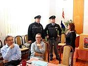 Do velehradské volební místnosti zavítali na kontrolu příslušníci Policie České republiky.