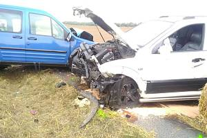 Bouračka dvou aut u Polešovic na Uherskohradišťsku