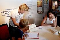 Každý návštěvník Velehradu se mohl o Dnech lidí dobré vůle zařadit do širokého proudu přepisovatelů Bible.