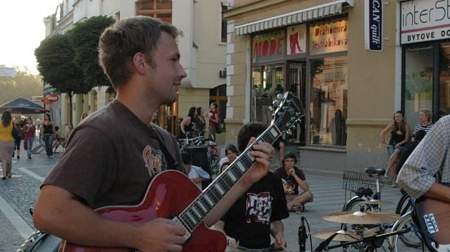 Jazzový pouliční koncert v Uh. Hradišti.