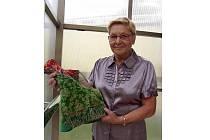 Ludmila Tarcalová se věnuje krojům celý svůj život, teď o nich napsala knihu.