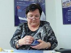 Taťána Malinová se naučila zdobit kraslice slámou od kamarádky.