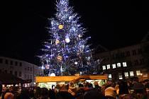 Loňský vánoční strom na Masarykově náměstí v Uherském Hradišti se jmenoval Světluška