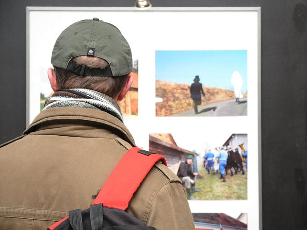 Fotografická výstava mapující folklorní život na Slovácku byla otevřena.