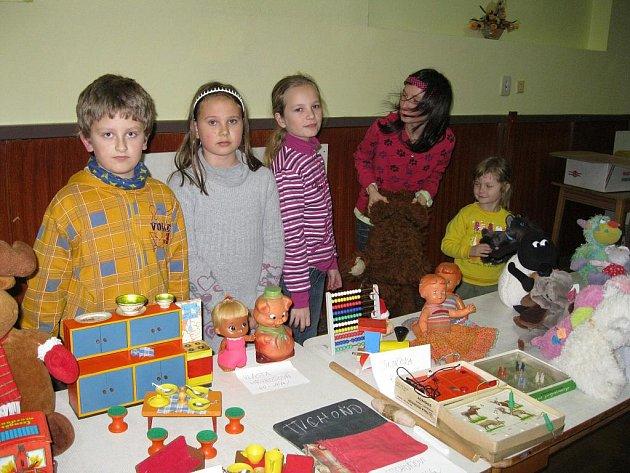 Výstavu hraček v podolském kulturním domě uspořádal Klub dobré pohoy.