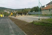 V Pašovicích budou mít po opravách lidé k dispozici dvě dětská hřiště i tenisové kurty.
