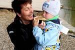 DEN STROMŮ. Nedělní akce Na Živé vodě přiblížila děti i dospělé kpřírodě.
