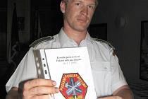 Sběratel hasičských insignií Petr Kostrůnek