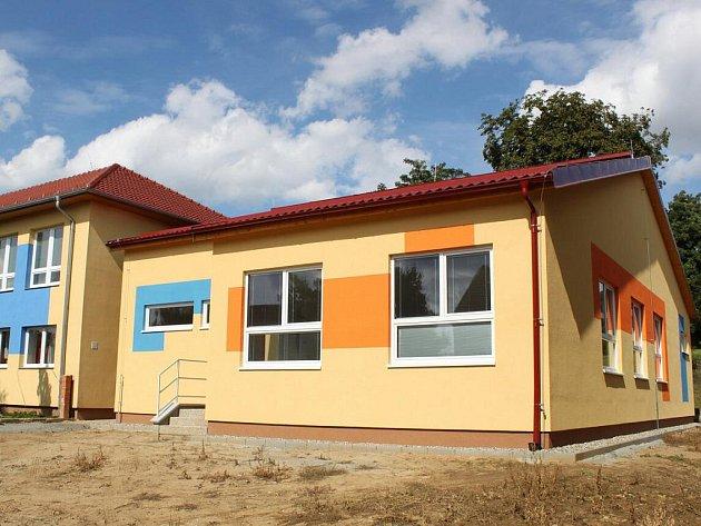 V novém montovaném pavilonu najde své místo jedna nová třída mateřské školy v Jalubí.