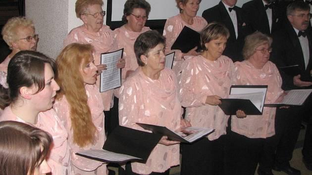 Komorní sbor Dvořák oslavil v minulém roce dvacetiny.