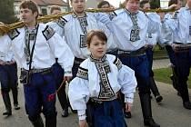 Velikonoční obchůzka Vlčnovského krále Šimona Pešla a královské družiny ve Vlčnově.