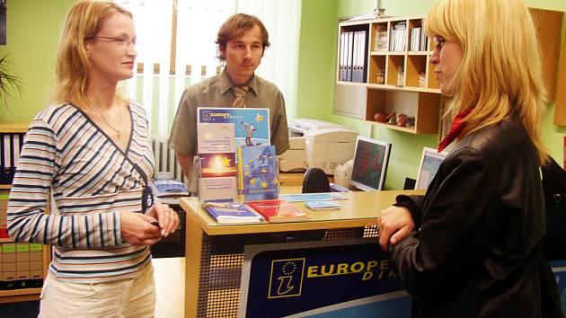 ZAHÁJENÍ. Uherskohradišťské středisko Europe Direct je v provozu. Jedná se o jediné pracoviště tohoto typu ve Zlínském kraji.