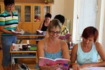 Padesát sedm učitelů přijelo z různých základních škol v České republice na Velehrad, aby se zdokonalovali na takzvané Letní škole.
