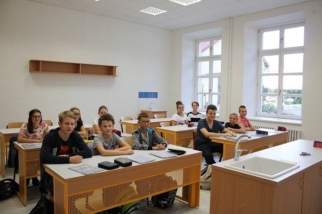 S otevřením čtyř zrekonstruovaných laboratoří byl na Gymnáziu Uherské Hradiště  spojen začátek nového školního roku. Vmoderní a plně vybavené prostory se proměnily přes 30 let staré posluchárny.