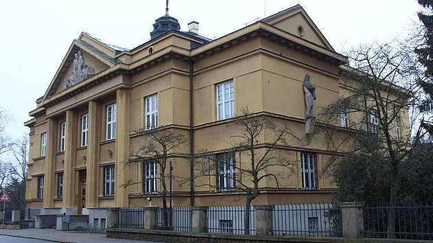 Dřívější budova Komerční banky ve Svatováclavské ulici v Uherském Hradišti.