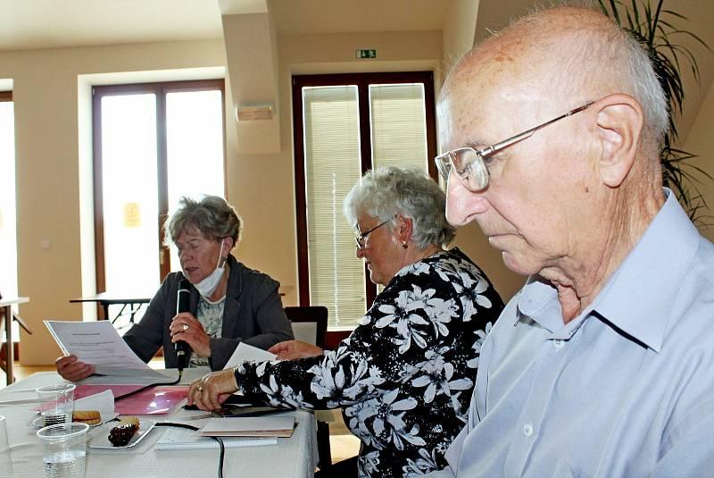 Výroční členská schůze místní organizace Svazu tělesně postižených (STP) a základní organizace Svazu postižených civilizačními chorobami (SPCCH) Velehrad