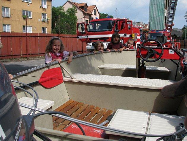 Den otevřených dveří uspořádali v pátek 13. června i uherskohradišťští hasiči.