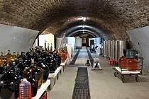 Cisterciácký vinný sklep z první poloviny 17. století, který se nachází v samém centru poutního Velehradu, představuje moravskou raritu. Jedná se totiž o původně pivovarský sklep, 300 metrů klenutých chodeb je zahloubeno ve tvaru podkovy do svahu.
