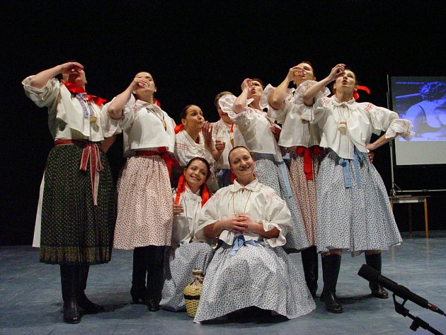 Ženský sbor Klebetnice a Ženičky z Hluku vystoupily na výbornou.