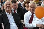 Také letos zavítala na Velehrad řada známých osobností. Jan Graubner, prezident ČR Miloš Zeman.