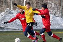 Zbrojovka Brno - 1. FC Slovácko. 8 Petr Glaser a 7 Pavel Zavadil (Zbrojovka), 21 Milan Kerbr (Slovácko).