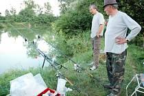 Rybářské závody v Kostelanech.