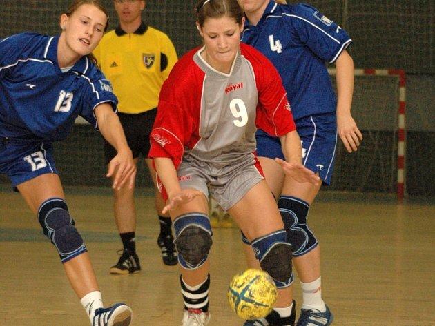 Házenkářky Kunovic nenašly na mezinárodním turnaji ve Veselí nad Moravou přemožitele.