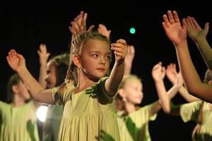 Základní umělecká škola v Uherském Hradišti představila další z řady programů oslavující osmdesátileté jubileum od jejího založení. Tentokrát se předvedly taneční soubory.