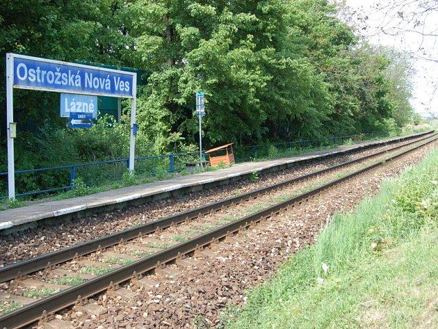 KOLAPS. Uzavření železnice z Kunovic do Uherského Ostrohu podle názoru veřejnosti ještě zhorší současnou kritickou dopravní situaci na silnicích.