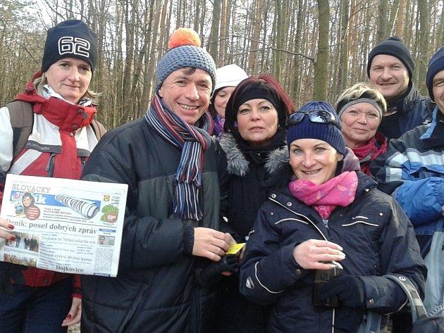 Stovky lidí zavítaly o Silvestru před polednem na místo mezi Vlčnovem a Drslavicemi, kde ještě ve druhé půli minulého století stával zámeček hraběte Kounice Pepčín.