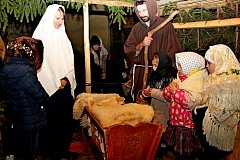 Už poosmadvacáté se u jesliček na Modré otevřel na Boží hod vánoční svět lidové poetiky.