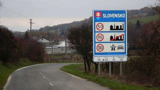 Hraniční přechod mezi Českou a Slovenskou republikou - v Březové.