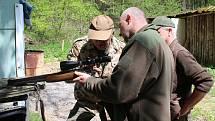 Kontrolní střelby na Salaši prověřily kulové zbraně nimrodů z Nedakonic