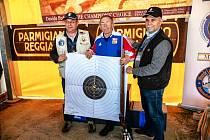 Miroslav Malůš vybojoval v Itálii tři medaile. V doutnákové mušketě v kleče triumfoval absolutním nástřelem 100 bodů a vyrovnal tak světový rekord.